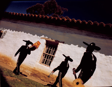 mariachiswalking.jpg